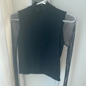 Fishnet sleeve shirt